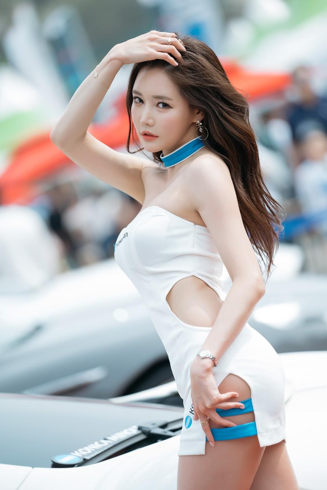 Korean Model Han Ga Eun in CJ Super Race, Round 1 - 2017