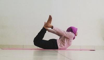 Yoga, senaman, fitness, workout, senaman untuk kempiskan perut, bow pose, posisi yoga