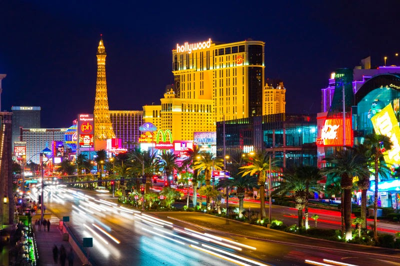 3. Las Vegas Strip, Nevada, United States - 5 of The Most Wondrous Streets on Earth