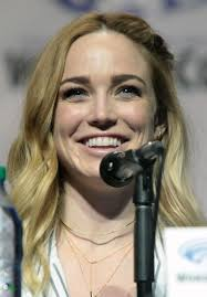 Caity Lotz Height - How Tall