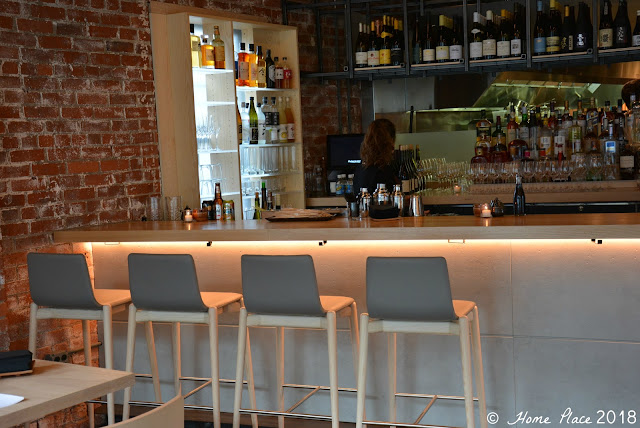 OKO Restaurant - Wrap Around Bar