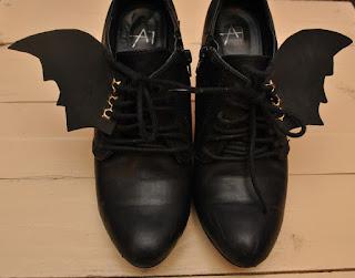 Inspiracje na Halloween nietoperze buty diy