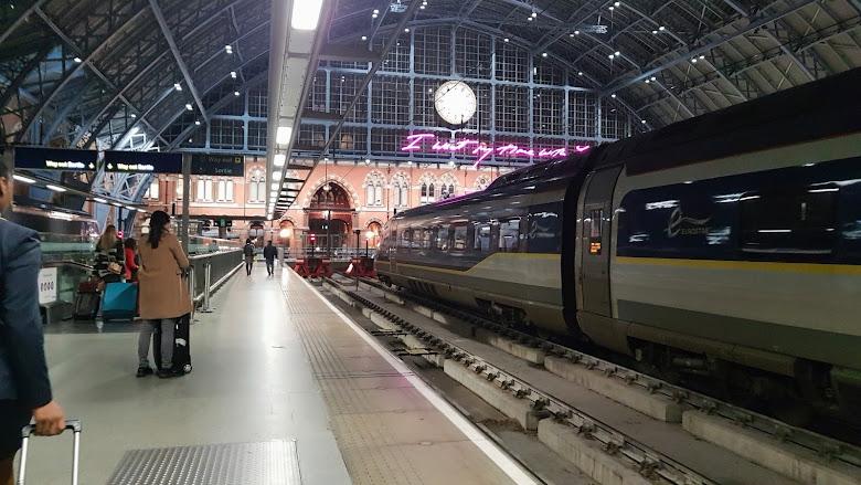 聖潘克拉斯車站 (St Pancras station)