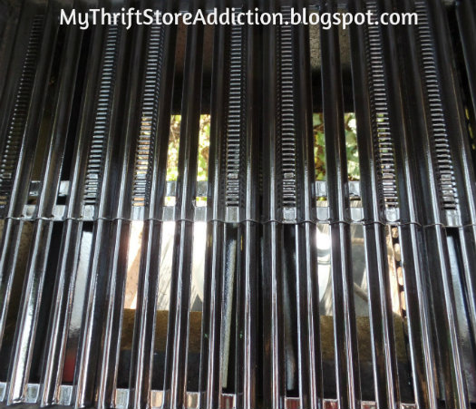 Easy to replace gas grill grates