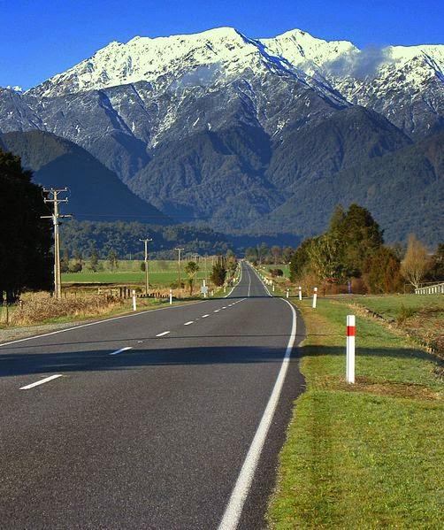 Munţi din Noua Zeelandă - imagine preluată de pe mediawiki.org
