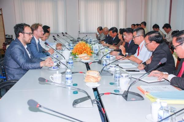 Members of both the CPP and CNRP attend a discussion on EU funding and a review of the government's budget. National Assembly