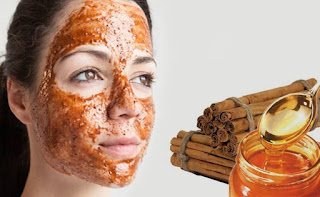 With honey and cinnamon powder mixed into put on the pimples. Then, apply this mixture on the face overnight and wash it off in the morning.