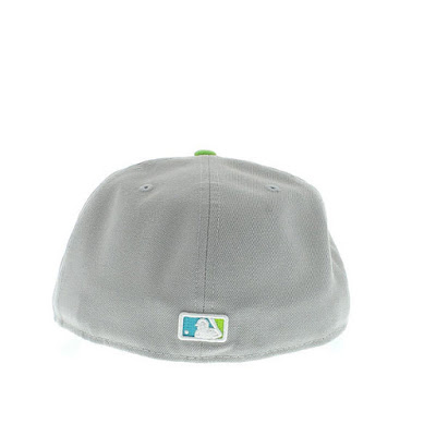 ebae60b4226 Here s the New Era 59FIFTY Atlanta Braves Fitted in the Gray Marine  Aqua-White colorway. The fitted is made by New Era