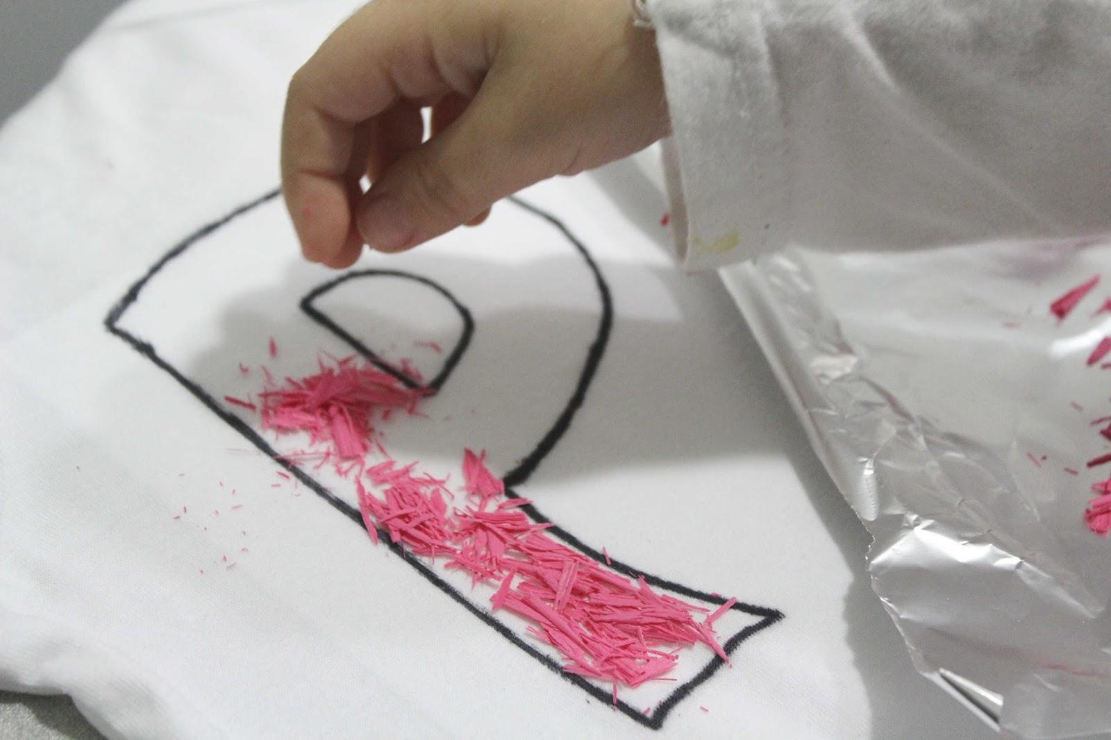 manualidades-ninos-pintar-camisetas