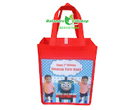 tas ultah thomas and friends, tas ulang tahun thomas and friends, tas souvenir ultah thomas and friends.