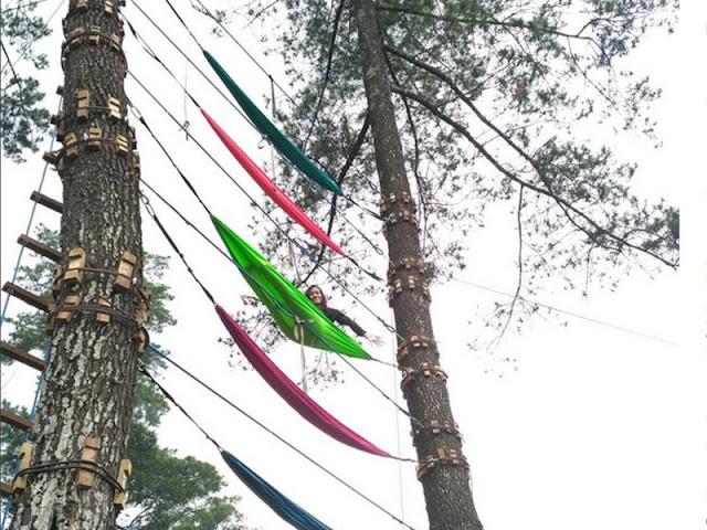Nuansa Tidur Menggantung di Pohon Claket Adventure Park Pacet