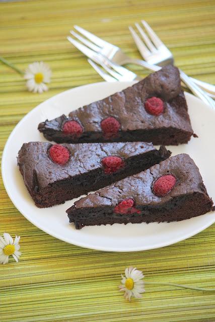 Brownie z kakao (z malinami)