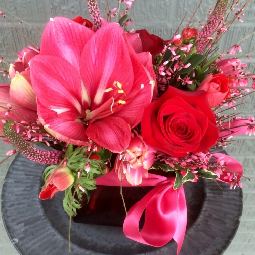pictures of valentine artificial red and pink flowers together