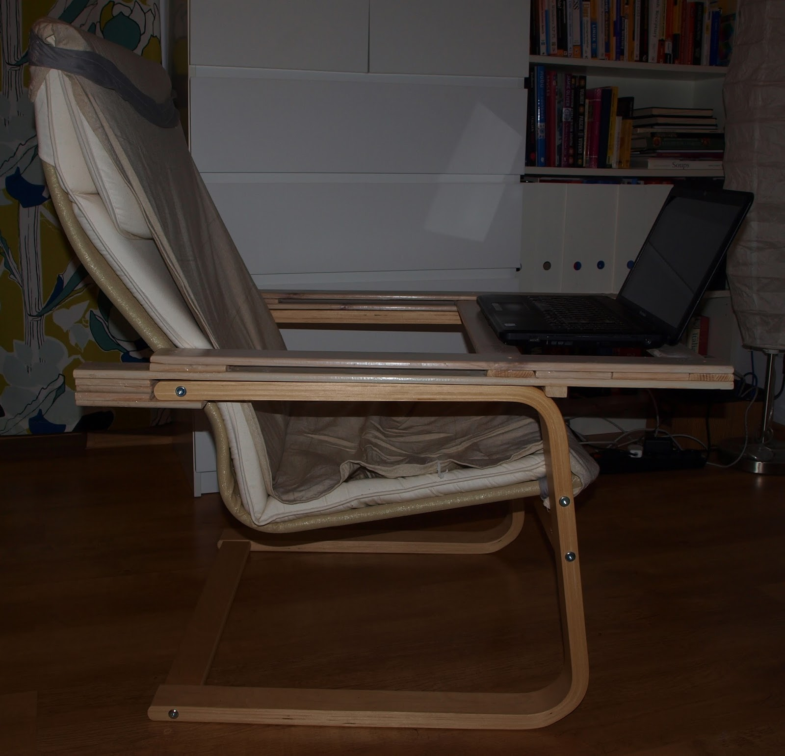 fix-it-or-hack-it: Laptop holder for armchair PELLO from ikea