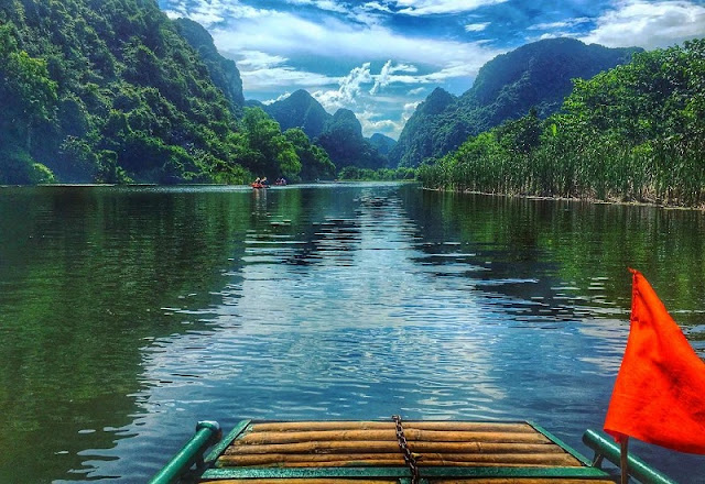 Boat tour boosts Trang An tourism 2