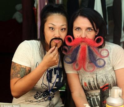 Diễn đàn rao vặt: những kiểu râu cực dị của người phụ nữ thế giới  Zalo_ScreenShot_21_1_2019_718120