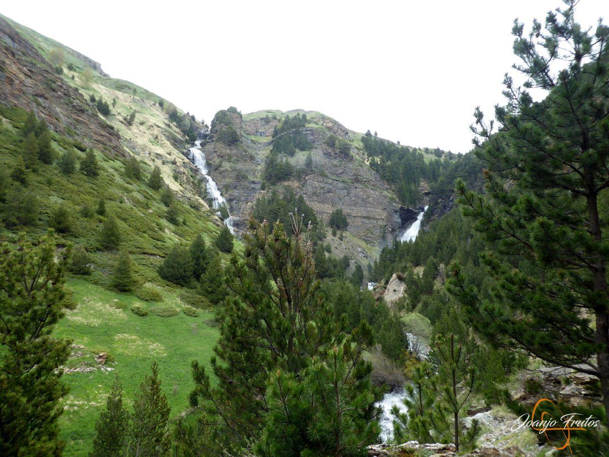 P1140134 - Ruta Las Tres Cascadas de Cerler con mucha agua