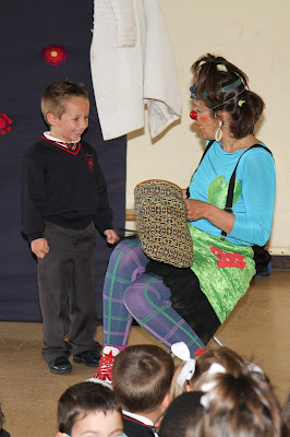 clown payasa, actuación infantil..,fiestas de colegio, teatro infantil,