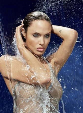 Angelina jolie hot sexy video