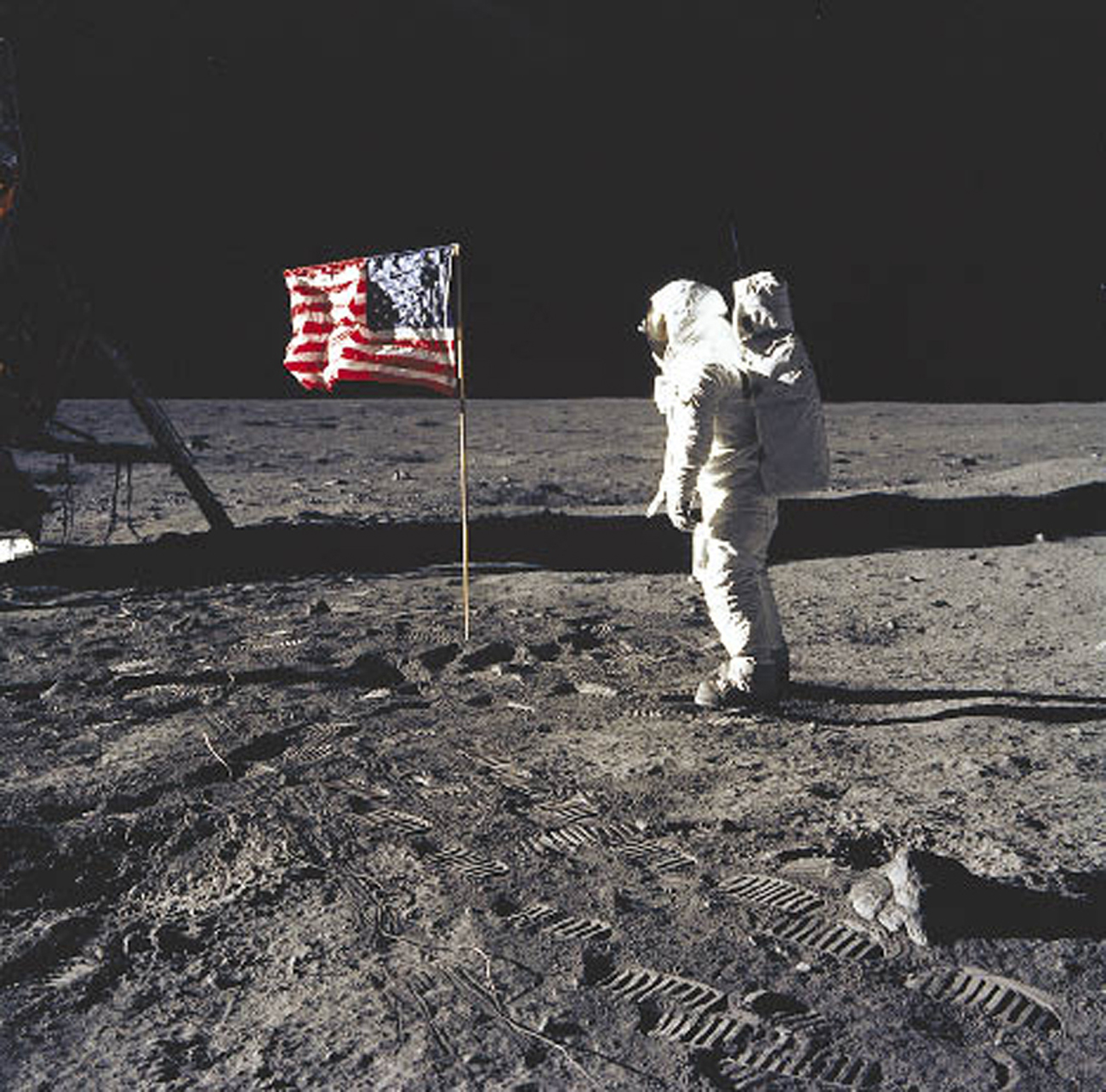 first manned moon landing date - photo #1