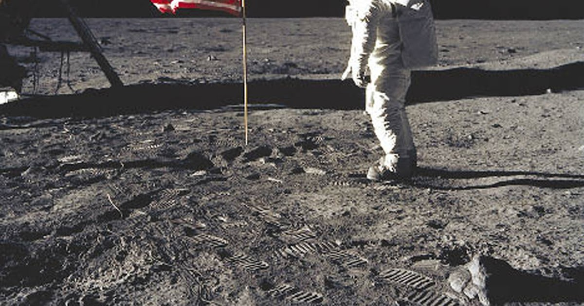 first manned moon landing date - photo #27