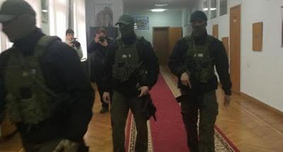 Слідчі НАБУ провели обшуки у мера Одеси Труханова