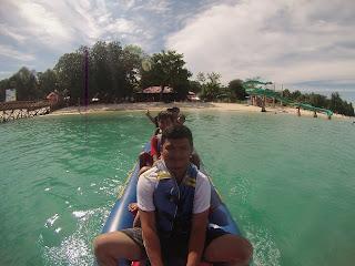 Bananaboat di pulau sirandah padang
