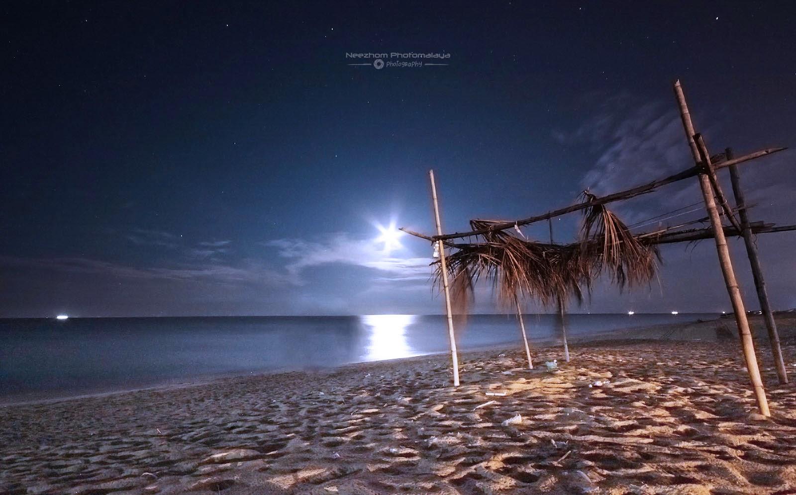 Telipot beach moonrise