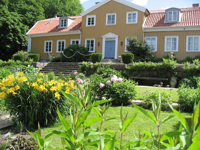 Hovedhuset med hage foran - Gøteborgs botaniske hage