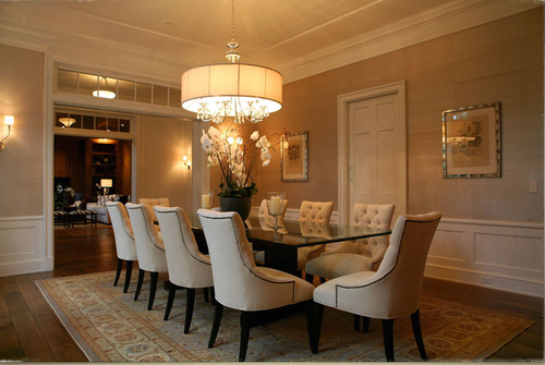 Dining room in traditional home by Giannetti Home