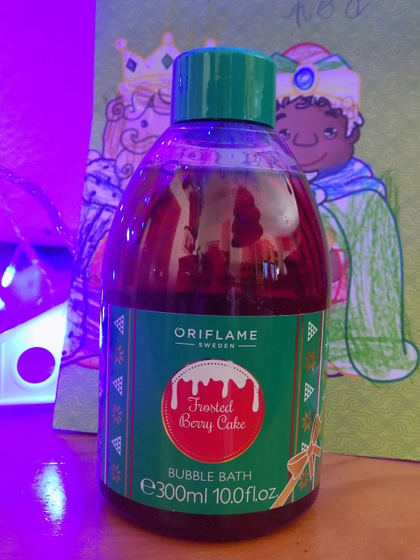 Frosted Berry Cake de Oriflame