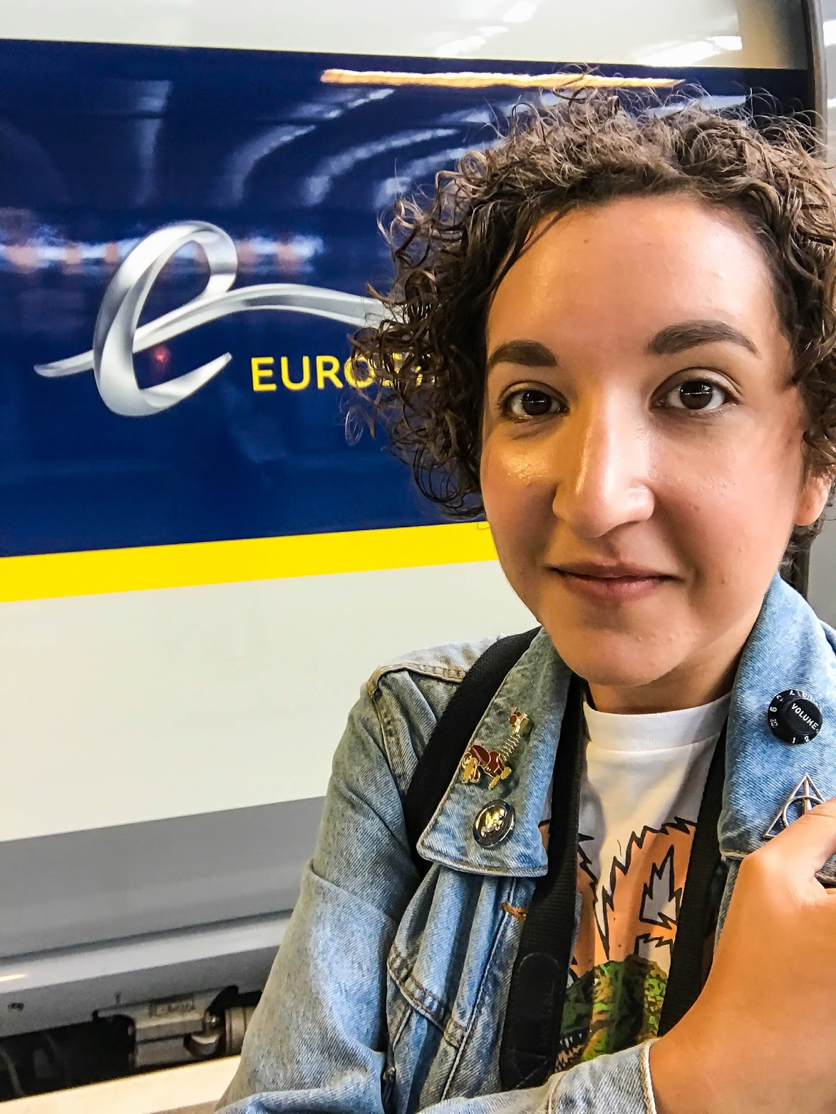 Travel blogger on Eurostar