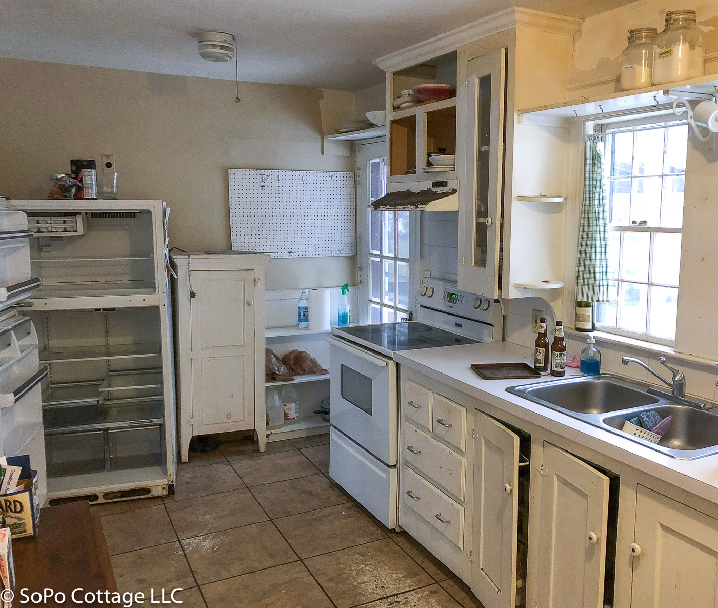 Colonial Kitchen And Great Room Addition: SoPo Cottage: Vintage Colonial Kitchen: Time For An Update