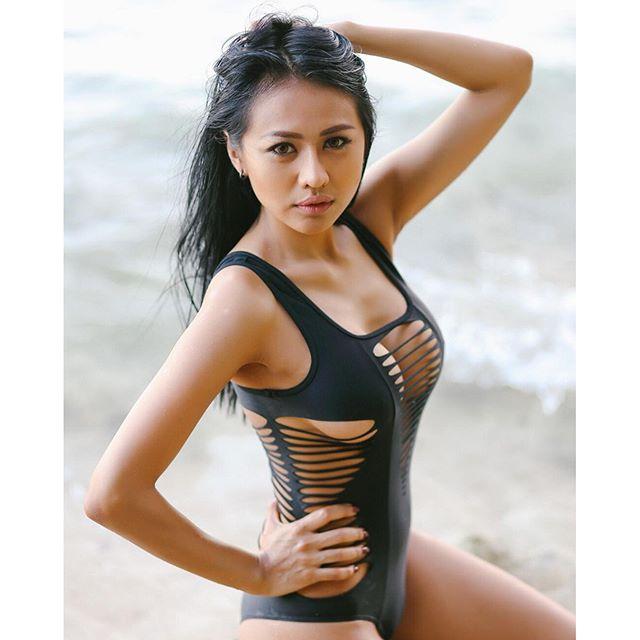 Image Result For Siva Aprilia Model Hot Indonesia Pose Lingerie