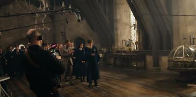 Vídeo: Featurette 'De Volta a Hogwarts' com depoimentos de Rowling, Eddie Redmayne, Jude Law e Zoë Kravitz | Ordem da Fênix Brasileira
