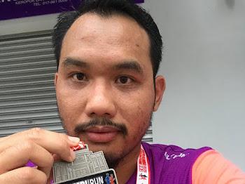 Papaglamz dan Coach Syam  di Serambi Teruntum Run 2018 Kuantan Pahang