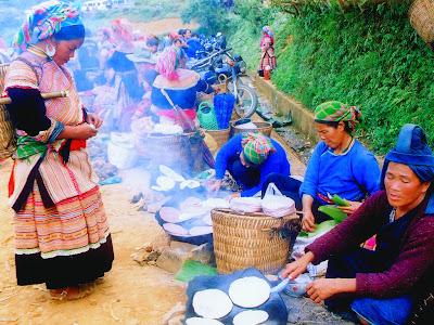 Costumes colorés des minorités ethniques du Vietnam Sapa