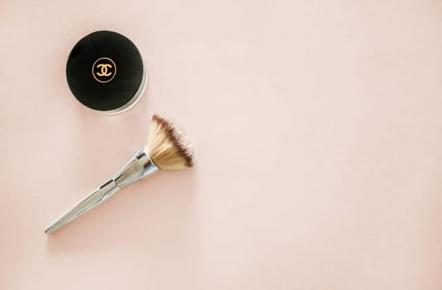 Alat make-up dasar untuk menunjang penampilan cantikmu