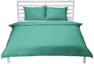 ONE HOURS DEALS  hurry ! Duvet Set Super King with Two Pillowcases, 100% cotton AmazonBasics Dark Green £
