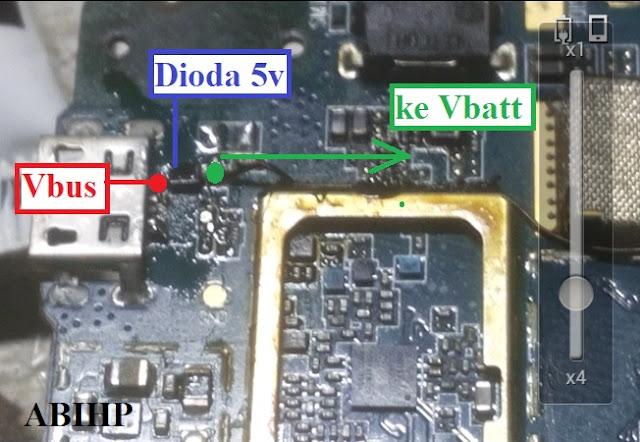 Dari Vbus konektor cas jumper ke dioda dan ke Vbatt.