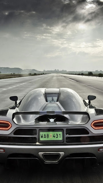 iPhone 5 Wallpaper - Koenigsegg Agera 2011 HDR