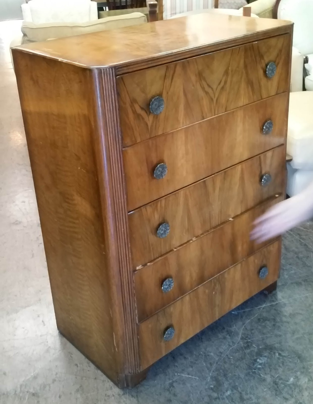 Uhuru furniture collectibles sold reduced for Reduced furniture
