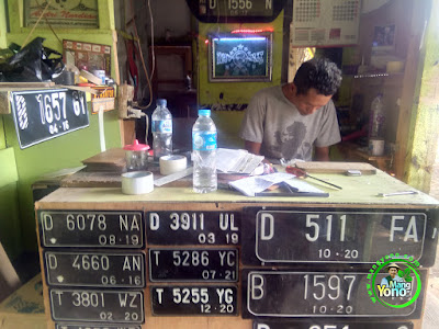 FOTO 3 ; Andri PLAT NOMOR Pagaden, Subang