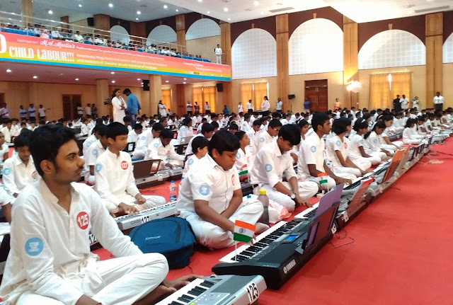 New World Record Created 440 Children gather together for the largest Keyboard concert
