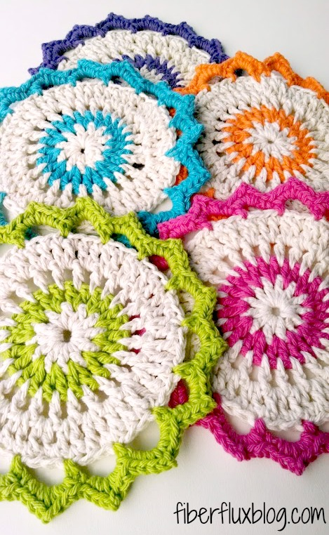 Kitchen Crochet Patterns featured by top US crochet blog, Flamingo Toes: lotus bloom