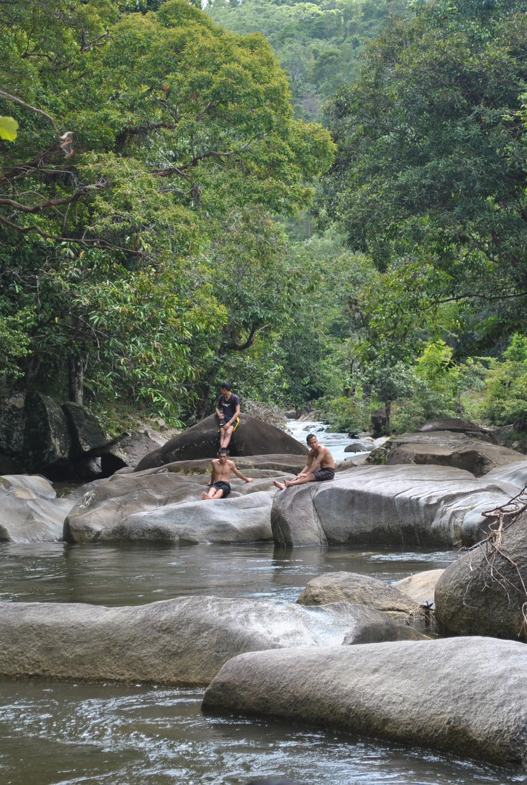 Wisata Alam Batu Jato Destinasi Wisata Pilihan Di Sekadau Bujangadau