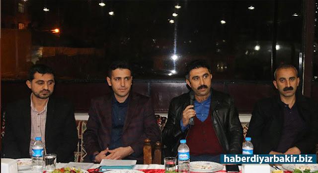 DİYARBAKIR-Eğitimciler Birliği Sendikası (Eğitim-Bir-Sen) Ergani temsilciliği, okul yetkilileriyle yemekte bir araya geldi.
