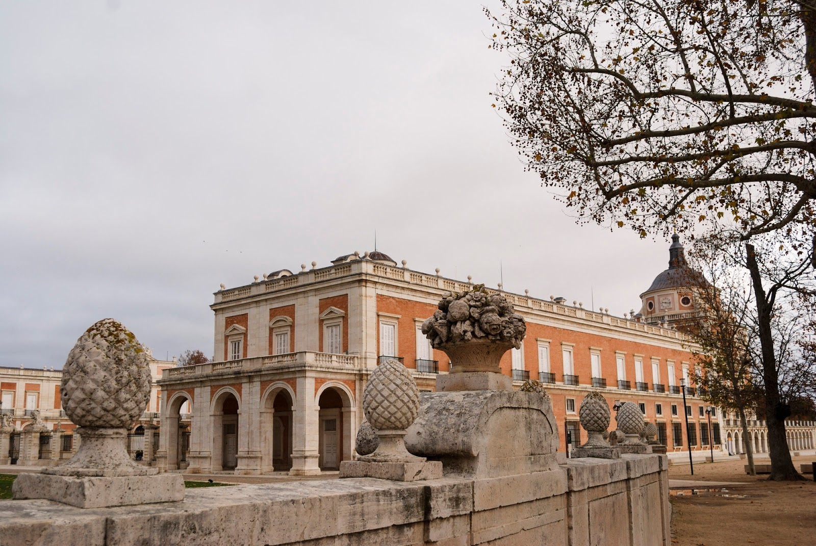 aranjuez madrid winter royal palace gardens spain