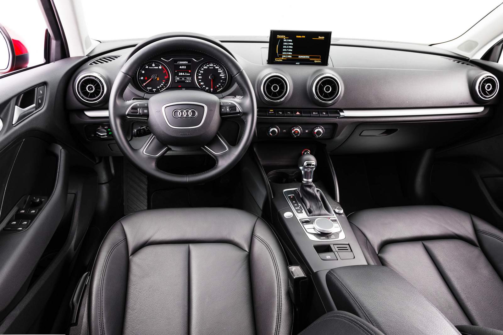 Novo Civic 2017 x Audi A3 Sedan - interior