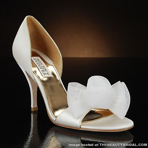 Heel Height 3 1 8 Inches This Pretty Little Wedding Shoe